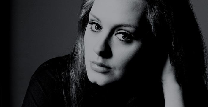 Adele wins an Oscar for 'Skyfall'